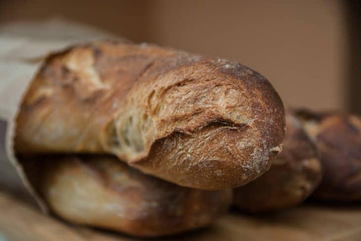 本場の味を楽しめる手作りフランスパンレシピ